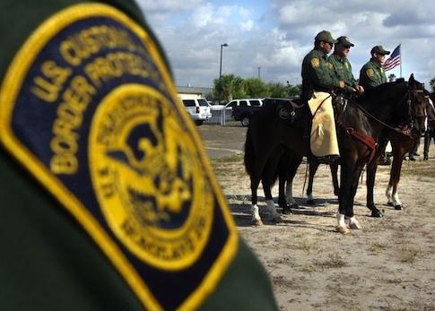 Border Patrol agents in McAllen, Texas / AP