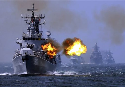 "China's Harbin (112) guided missile destroyer takes part in a week-long China-Russia ""Joint Sea-2014"" navy exercise at the East China Sea off Shanghai, China May 24, 2014 / AP"