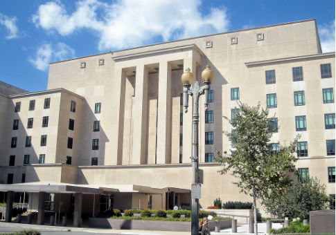 'The headquarters of the U.S. Department of State in the Harry Truman Building / Wikimedia Commons' from the web at 'http://s1.freebeacon.com/up/2015/03/State-Department-Headquarters.jpg'