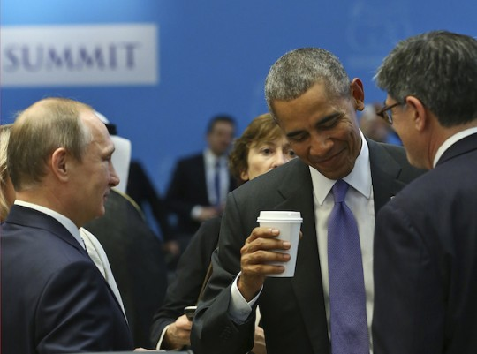 Barack Obama talks with Vladimir Putin at the G-20 Summit in Turkey, Monday, Nov. 16, 2015 / AP