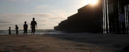 US-Mexican border fence at Playas de Tijuana